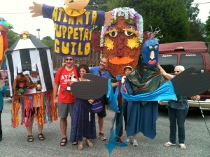 The Atlanta Puppetry Guild was well represented in the parade! Piccadilly Puppets had the large blue-headed puppet on the right.