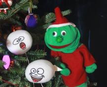 elf-snowballs